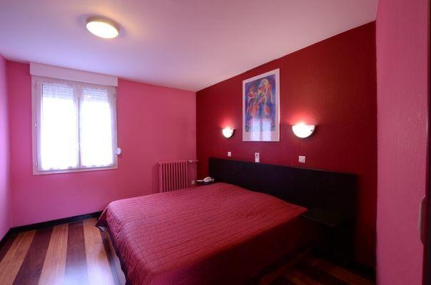 champagne 52 saint dizier hotel francois  1er chambre.