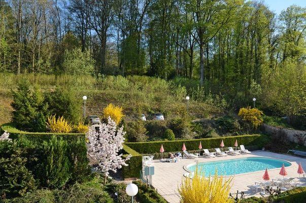 champagne 52 bourbonne les bains hotel orfeuil piscine jardin.