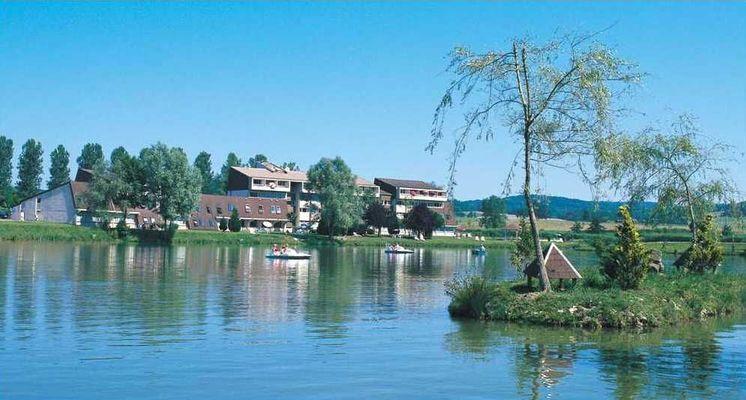 champagne 52 bourbonne les bains hotel le lac la mezelle lac 20.