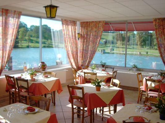 champagne 52 bourbonne les bains hotel le lac la mezelle restaurant 100.
