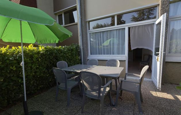 champagne 52 bourbonne les bains hotel la mezelle terrasse.