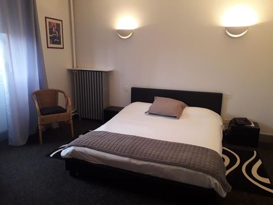 chaumont 52 hotel royal chambre 1.