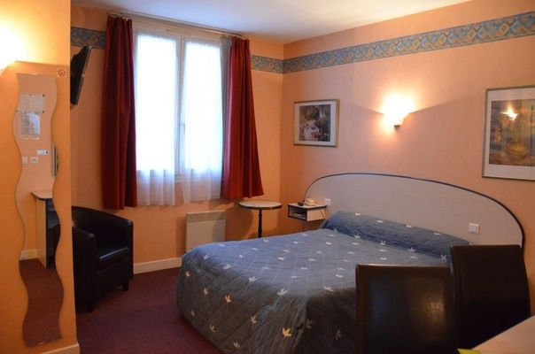 champagne 52 andelot hotel le cantarel chambre catherine dupays 50.