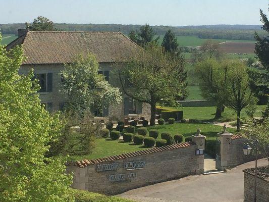 champagne 52 colombey les deux eglises hostellerie la montagne exterieur 3718.