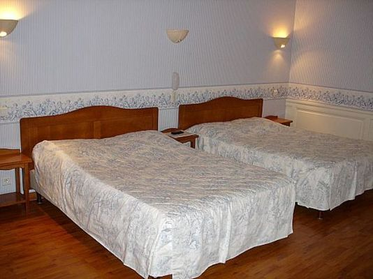 champagne 52 langres grand hotel de l europe chambre 9.