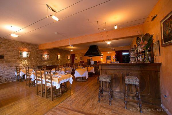 champagne 52 langres saints geosmes jumhotel auberge 3 jumeaux restaurant.