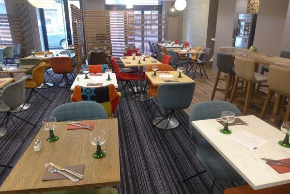 champagne 52 chaumont hotel ibis styles restaurant 845.