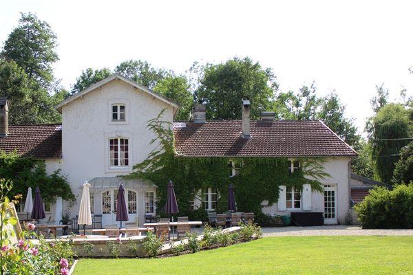 champagne 52 gudmont villiers hotel la source bleue terrasse mdt52 20.