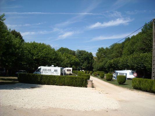 champagne 52 arc en barrois camping le vieux moulin emplacements campings cars.