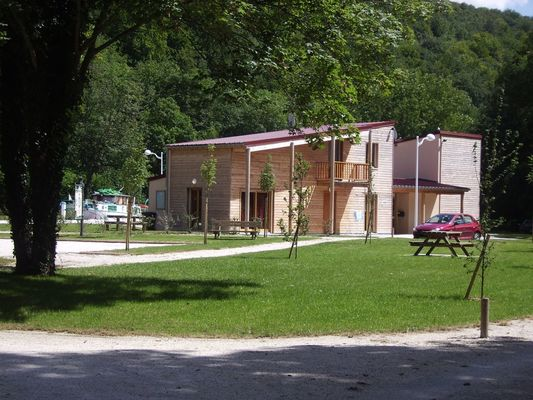 champagne 52 froncles camping des 2 ponts mobilhome.