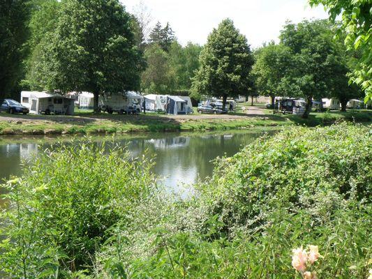 champagne 52 vouecourt camping emplacements au bord de la riviere 3.