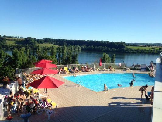 champagne 52 peigney camping le lac de la liez piscine 3.