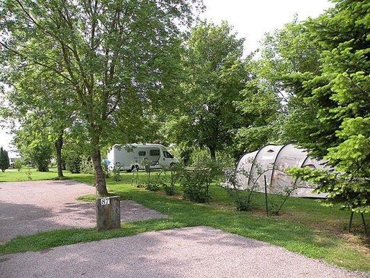 champagne 52 bannes camping hautoreille emplacement 2.