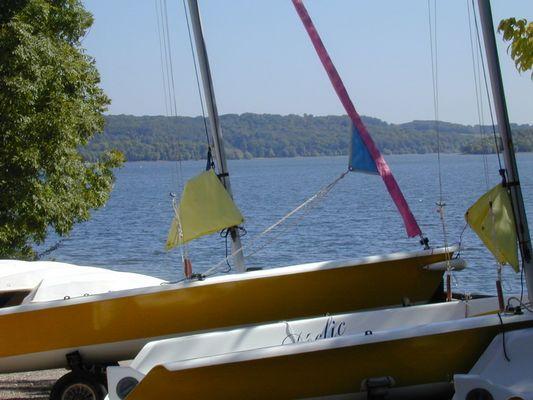 champagne 52 loisirs lac liez ecole de voile cchml 3018 .