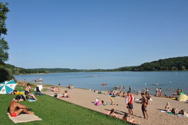 champagne 52 loisirs lac de la liez baignade plage phl 7563.