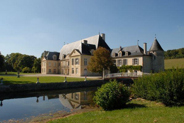 champagne 52 dinteville patrimoine chateau phl 1085.