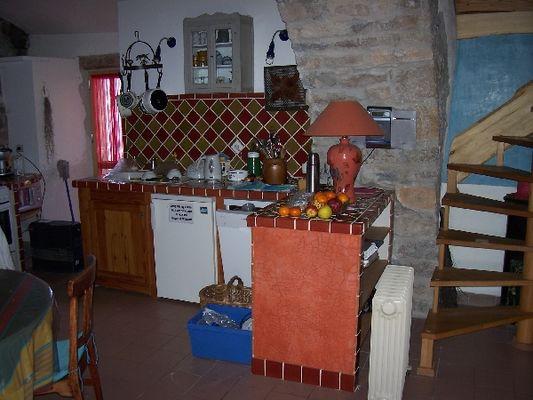 Cuisine - Escalier accès chambre