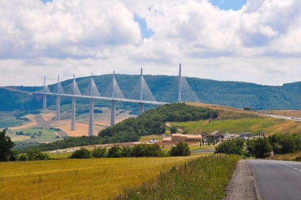 Aire de vision du viaduc de Millau, Aveyron