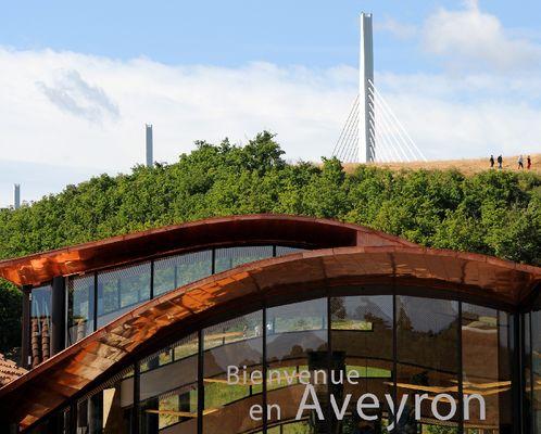 Aire de vision du viaduc de Millau