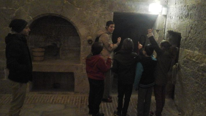 Intérieur de la tour du roi d'Aragon (XII e siècle)