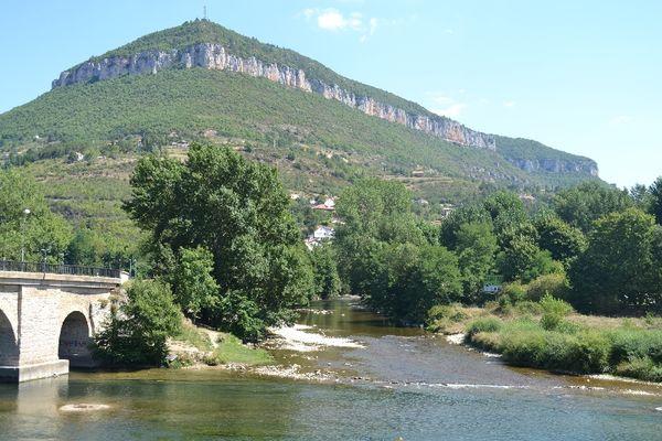 Maison au confluent du Tarn et de la Dourbie