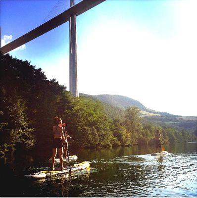 Evolution2 - paddle sous Viaduc de Millau