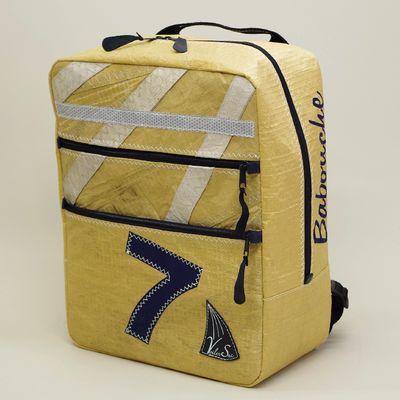 Cartable, sac à dos en voile de bateau recyclée.