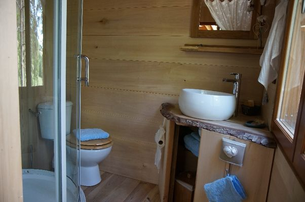 Salle de bain - Location insolite pres de millau