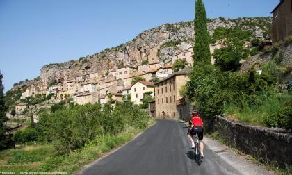 Peyre village classé à 6 km