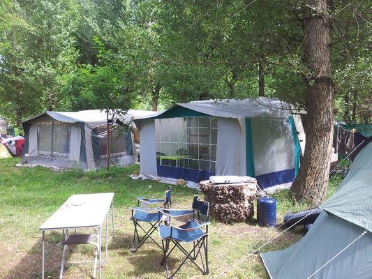 Caravanes/tentes en location Camping Brudy-Brudy Plage**