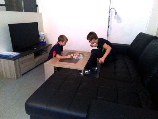 Le salon, jeux pour enfants à disposition