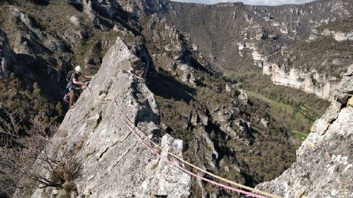 Roc Aiguille Zébulon grande voie Tarn
