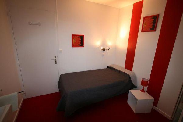 champagne 52 saint dizier hotel le picardy chambre 2.