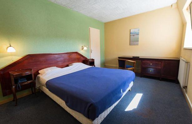 champagne 52 saint dizier hotel de champagne chambre.