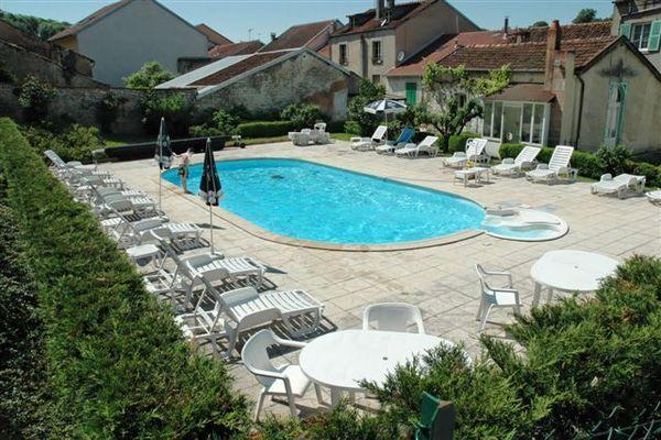 champagne 52 bourbonne les bains hotel orfeuil piscinel 81.