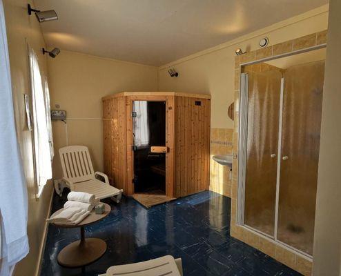 champagne 52 bourbonne les bains hotel la mezelle sauna.