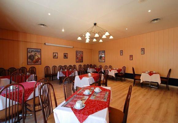 champagne 52 hotel les dhuits colombey les deux eglises restaurant 2.