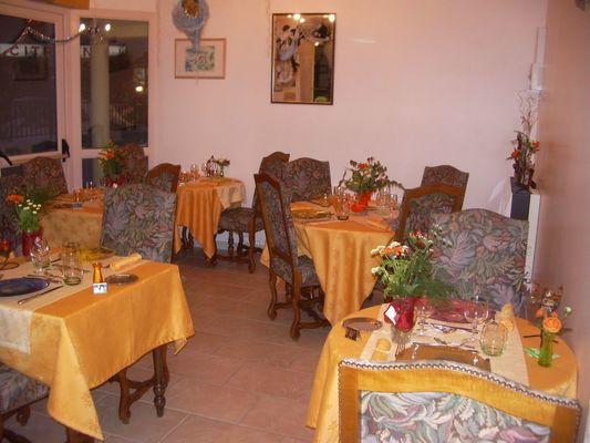 champagne 52 bourg sainte marie  hotel le saint martin restaurant 2.
