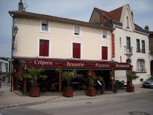 champagne 52 restaurant lasallexiv joinville facade 2.