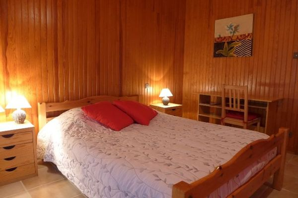 chambre hotes haute marne chalindrey 52g529 chambre 1.