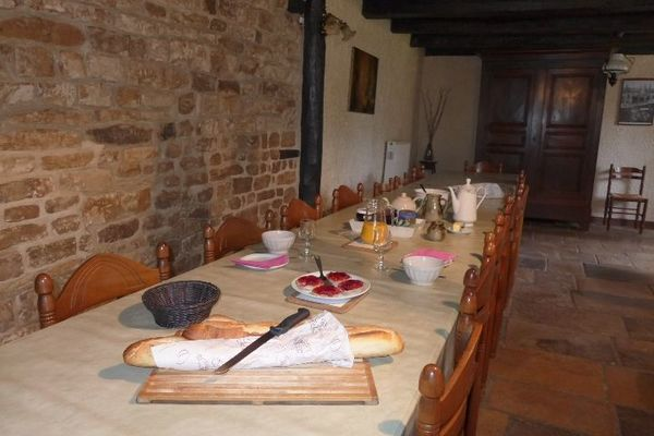 chambre hotes haute marne chalindrey 52g529 petit dejeuner.