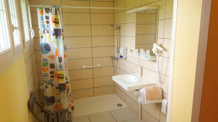 champagne 52 prauthoy relais saint michel salle de bain.
