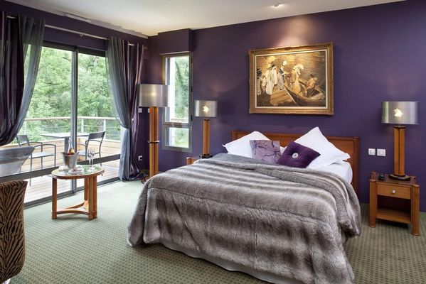 champagne 52 gudmont villiers hotel la source bleue chambre.