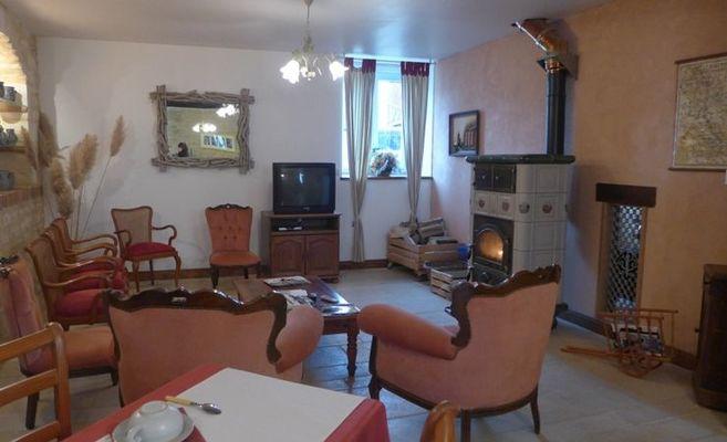 chambre hote haute marne saudron 52g580 salon.