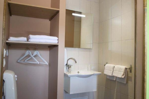 champagne 52 semoutiers hotel bio motel salle de bains 012.