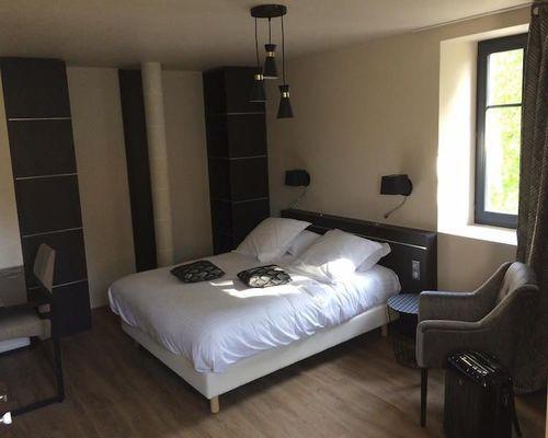 champagne 52 joinville logis hotel la vinaigrerie chambre 160.