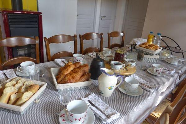 chambre hote haute marne puellemontier 52g594 petit dejeuner.