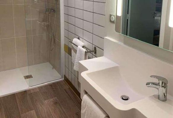 chaumont 52 bb hotel salle eau.