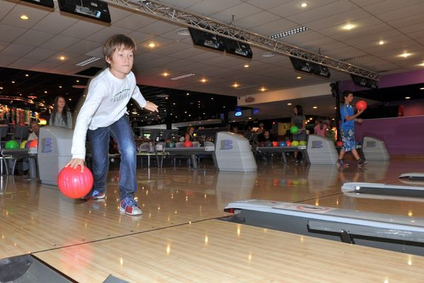 champagne 52 loisirs bowling le strike chaumont phl 2706.