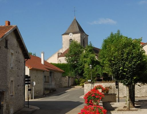 champagne 52 colombey patrimoine histoire village rue eglise phl 4005.